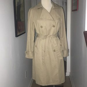 GAP NWOT Women's Belted Trench Coat Size S. 😘😘